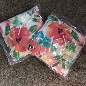 Other - Outdoor or indoor throw pillows